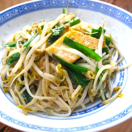 Stir-fried Mung Bean Sprouts and Tofu with Garlic Chives Recipe ...