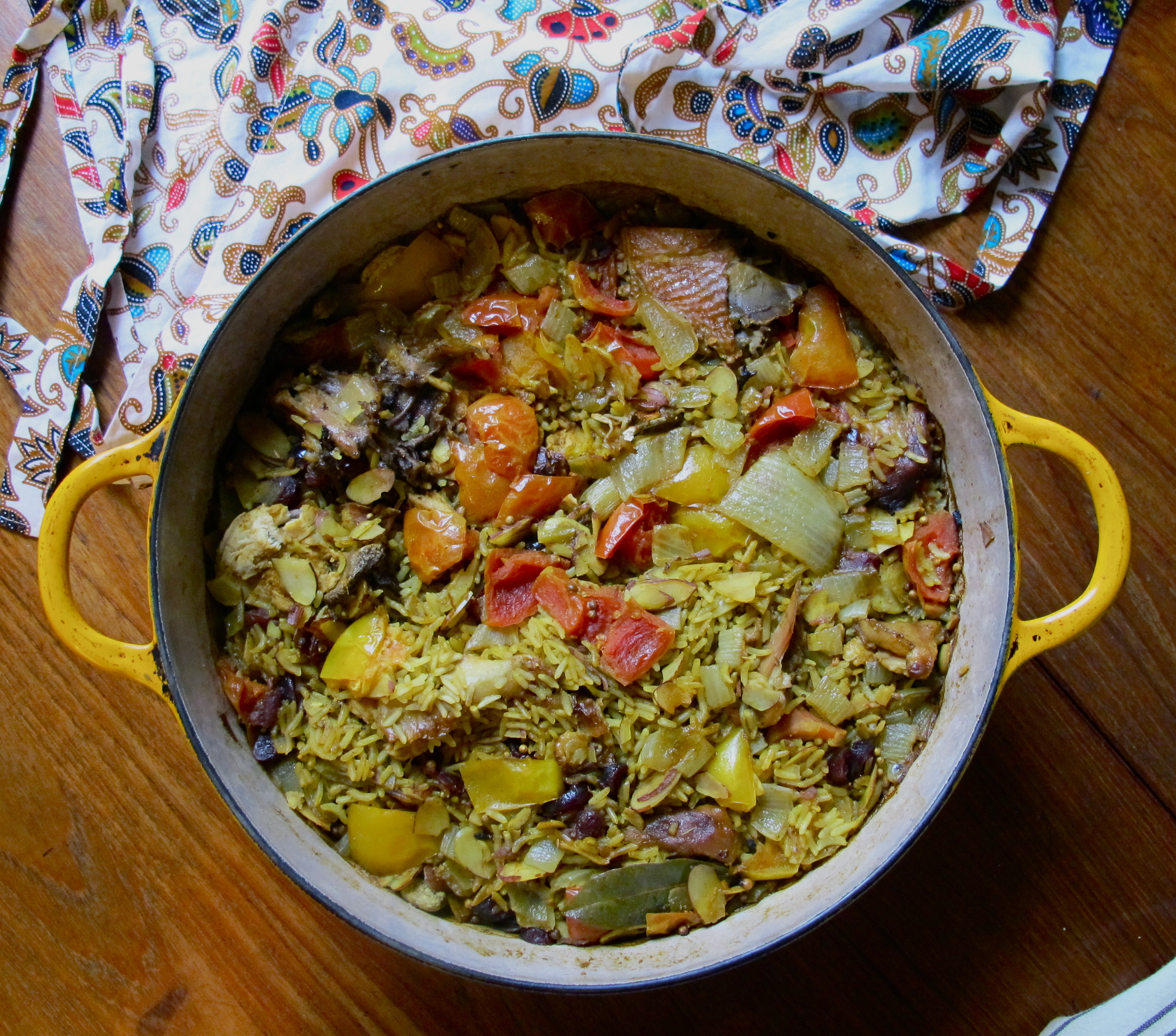 Thai Yellow Curry Rice Pilaf with Tomato and Onion