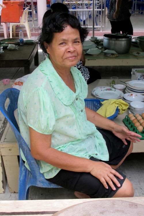 Pee Yoiy - พี่่ย้อย บ้านดอน - Top Chef on her last day of duty