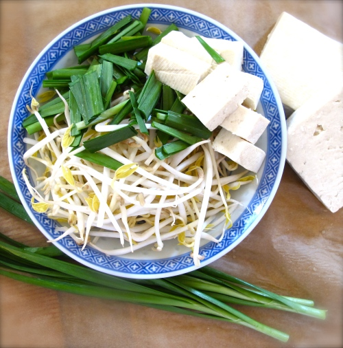 bean sprout, tofu and garlic chive